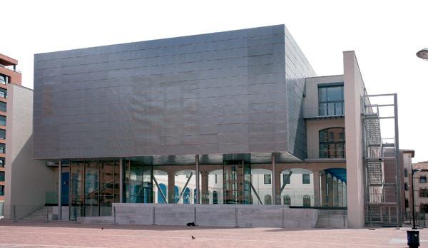 Centro c vico san agust n centro cultural en burgos for Piscinas san agustin burgos